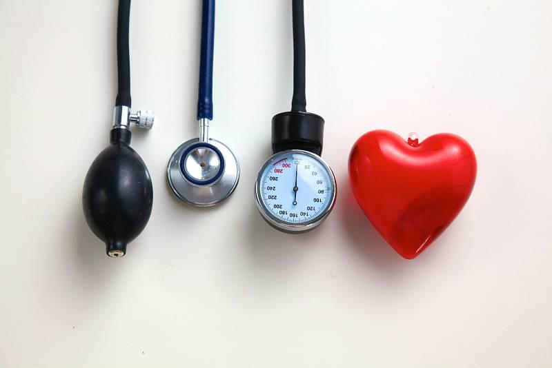 Vývoji vysokého krevního tlaku můžete pomoci snižováním většiny rizikových faktorů