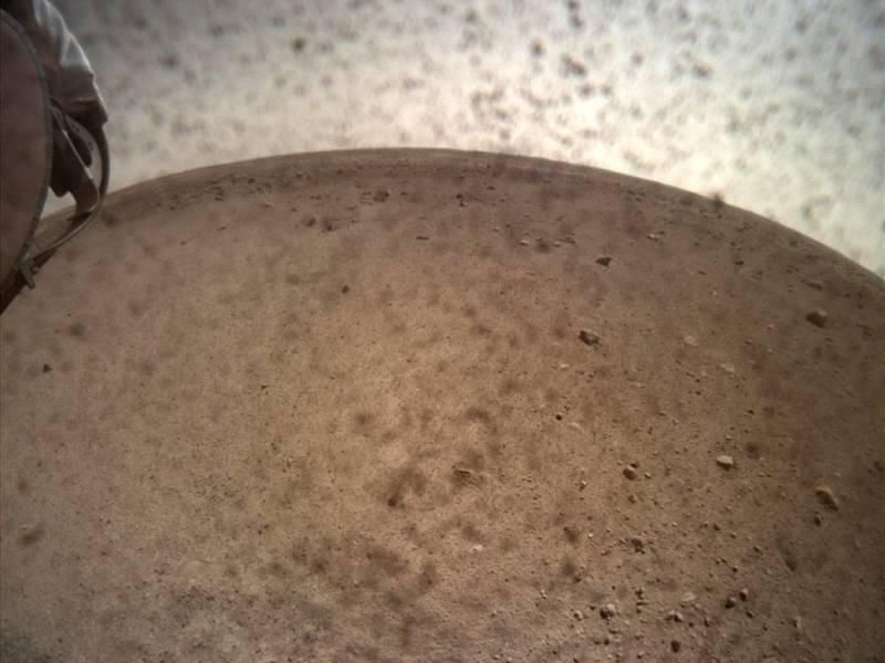 Snímek sondy InSight