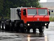 Histotricky prvních deset středně těžkých nákladních vozů značky Tatra T-810 převzali vojáci 71. mechanizovaného praporu 7. mechanizované brigády z Hranic.