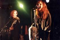 """TICHÁ DOHODA, MODEL 94. Budoucnost této kapely je podle Dana Šustra otevřená; momentálně dokončuje další studiovou desku se svým """"vedlejším"""" hudebním projektem 2Wings, s nímž se také chystá koncertovat."""