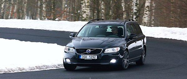 Volvo V70.