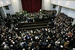 Také s Gottovým dvorním skladatelem Karlem Svobodou se přišly rozloučit tisíce lidí