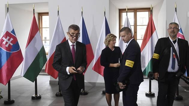 Předseda vlády Andrej Babiš (vlevo) se připravuje na přivítání premiérů V4, kteří se 12. září 2019 v Praze zúčastní jednání zemí visegrádské skupiny a zemí západního Balkánu