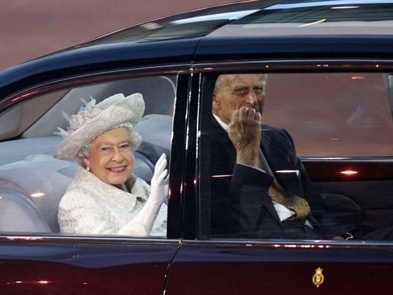 Britská královna Alžběta II. a princ Philip.
