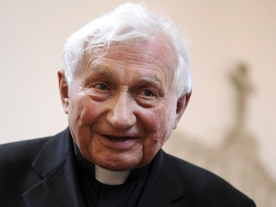 Kněz Georg Ratzinger, bratr papeže Benedikta XVI.