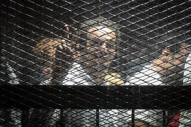 Obžalovaní před káhirským soudem