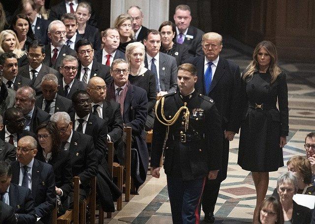 Pohřeb bývalého amerického prezidenta George Bushe staršího