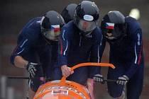 Pilot  Jan Vrba a jeho parťáci Dominik Suchý, Jan Stoklaska a Michal Vacek v akci.