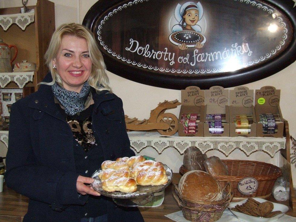 Božena Kreičy v obchůdku v Třebíči peče buchty podle staročeských receptů.