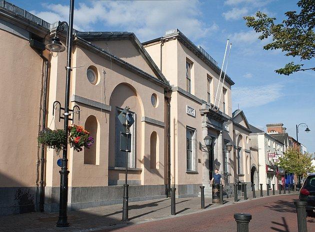 Budova soudu v irském městě Portlaoise.