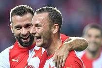 Slávisté Josef Hušbauer a Vladimír Coufal se radují z gólu proti Slovácku.