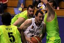 Prostějovští basketbalisté vybojovali postup do semifinále Mattoni NBL. Porazili Levice v rozhodujícím duelu 80:73 a již nyní mají jasnou medaili.