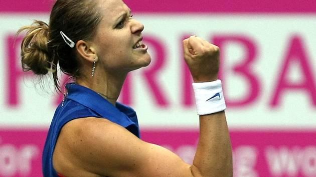 Lucie Šafářová ve Fed Cupu proti Itálii.