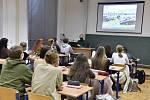 Studenti gymnázia. Ilustrační snímek