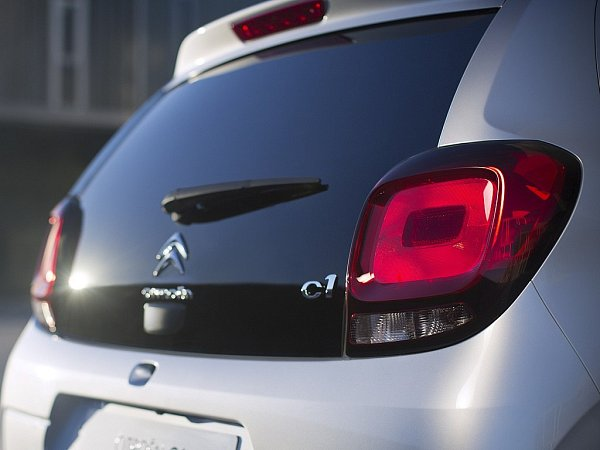 Citroën C1.