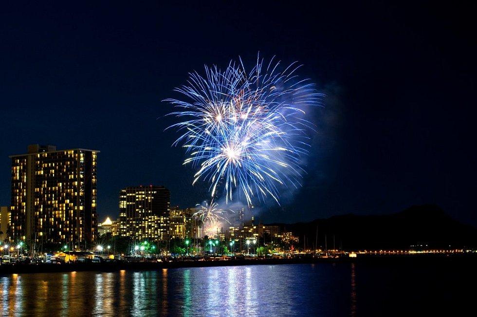 Novoroční ohňostroj v havajském Honolulu
