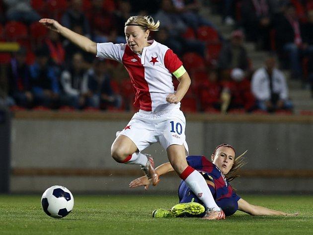 Loňská zkušenost. Slavia na Barcelonu neměla