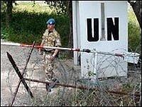 """Voják OSN střeží """"zelenou linii"""" v Nikósii"""