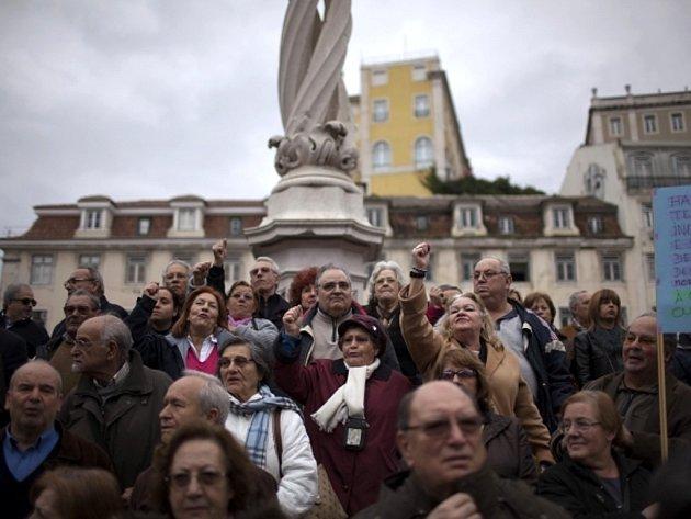Portugalci demonstrovali proti úsporné politice vlády.