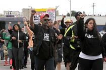 Smrt Freddieho Greye vyvolala v americkém Baltimoru protesty.