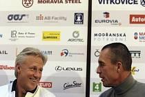 Tenisové legendy Björn Borg (vlevo) a Ivan Lendl.