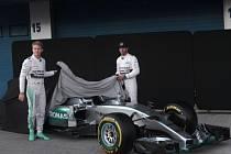 Testy F1 v Jerezu: Oficiální odhalení Mercedesu