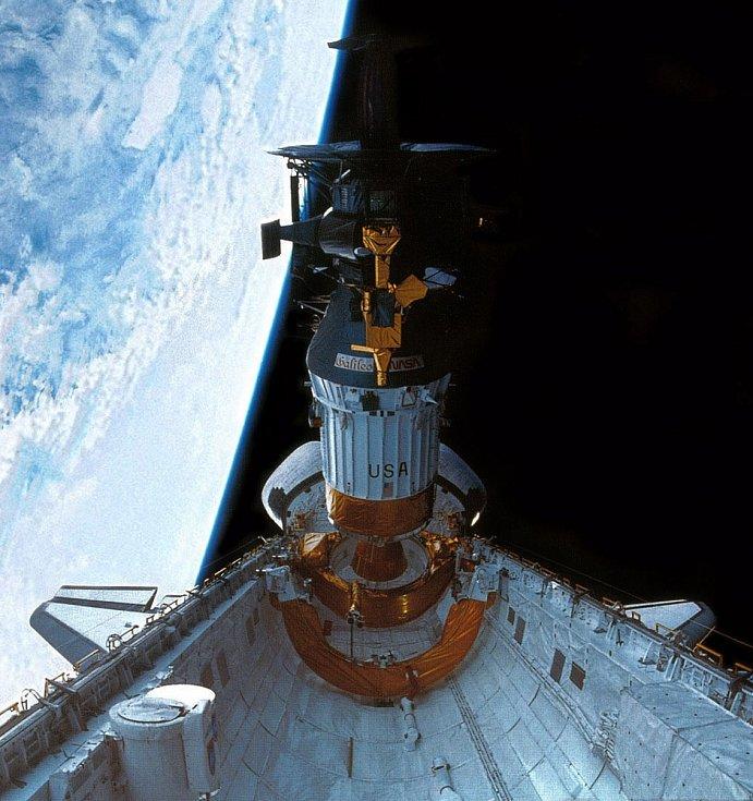 Vypouštění sondy Galileo z raketoplánu Atlantis