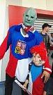 A takto fandí při MS rodina Kulhánkových. V Bratislavě se setkali i s nejslavnějším českým fanouškem - Fantomasem.