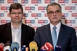 Jednání poslanecké sněmovny o důvěře vlády. Jiří Pospíšil (vlevo) a Miroslav Kalousek z TOP 09.