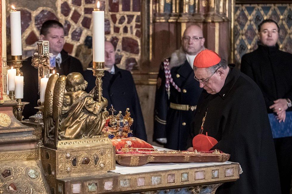 Vyzvednutí korunovačních klenot v kapli sv. Václava v katerdále sv. Víta proběhlo 15. ledna v Praze. Duka