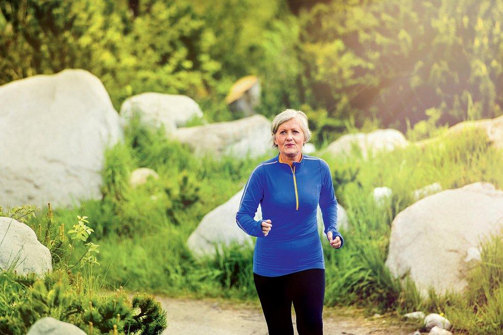 Zatímco u elitních běžců a běžkyň začínají časy po pětatřicítce zpomalovat, u rekreačních běžců se nic takového nekoná – dokonce se mohou zlepšovat i padesátníci.