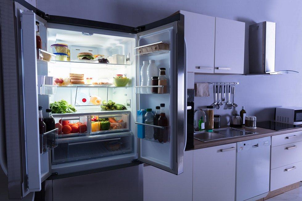 Nejméně se ušetří za televizor, o trochu víc je to u chladniček a největší úspory jsou u sušiček prádla, které jsou energeticky nejnáročnější.