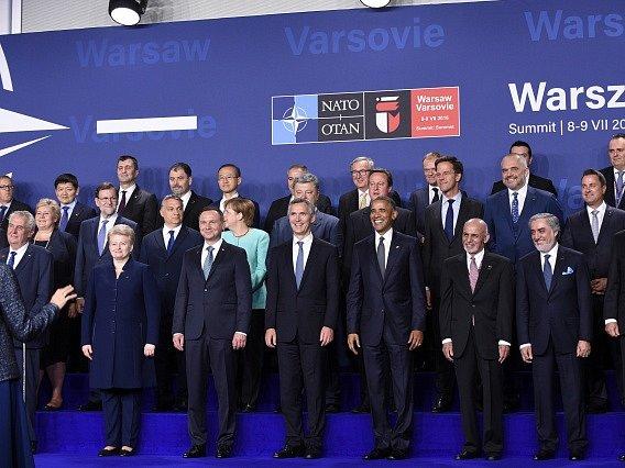 Ve Varšavě dnes začal dvoudenní summit Severoatlantické aliance.