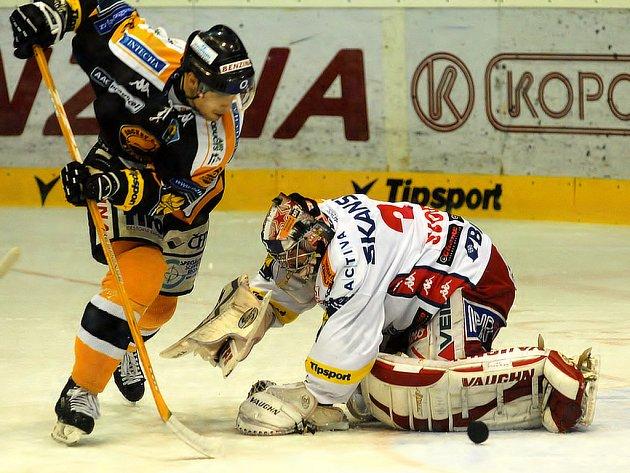 Hokejisté Litvínova porazili Slavii 4:2.