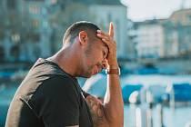Bolest hlavy, migréna - Ilustrační foto