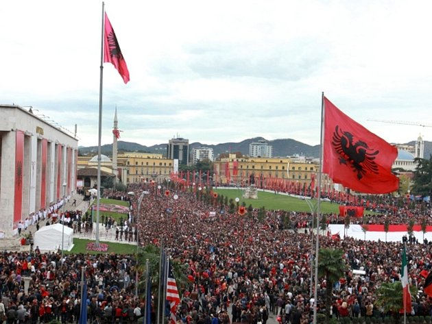 Albánie dnes mohutně slaví 100. výročí vzniku samostatného státu.