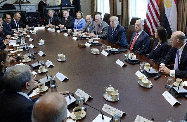 Donald Trump a se sešel s arabskými vůdci