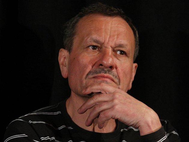 Pod scénářem Hotelu Meteor jsou podepsáni Petr Kolečko, Jan Prušinovský (Okresní přebor) a Miroslav Krobot (na snímku), kteří budou zároveň i jeho režiséry.