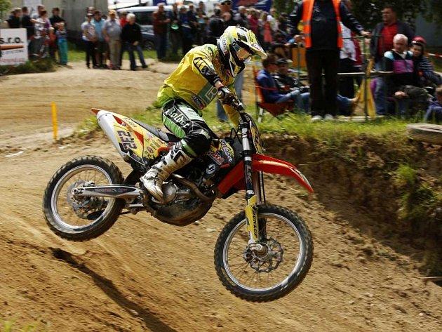 Motokrosař Martin Michek se v obou závodech mistrovství světa v Lokti prosadil na bodované pozice.
