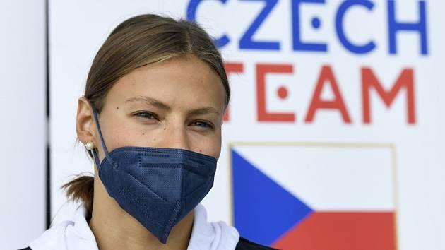 Plavkyně Barbora Seemanová hovoří s novináři