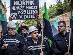 Demonstrace horníků z OKD kvůli věku odchodu do důchodu se konala 9. září před Úřadem vlády v Praze.