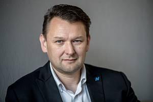 Petr Kocian při focení pro rozhovoru pro Deník 12. června v Praze.