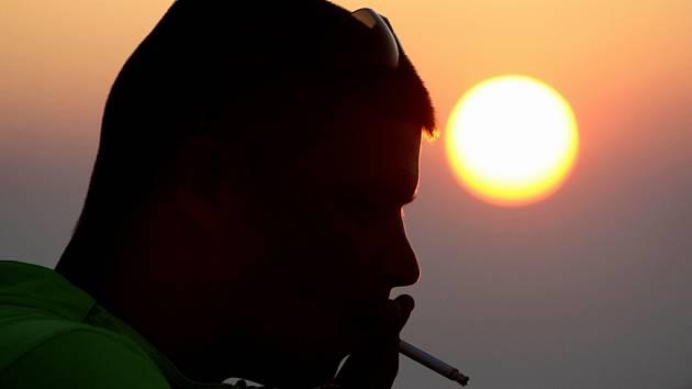 Tabákové firmy nigerijská vláda obvinila z propagace kouření mezi mládeží.