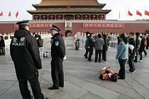 Náměstí Tchien-an-men je pod silným policejním dohledem, který bude během olympiády ještě přísnější.