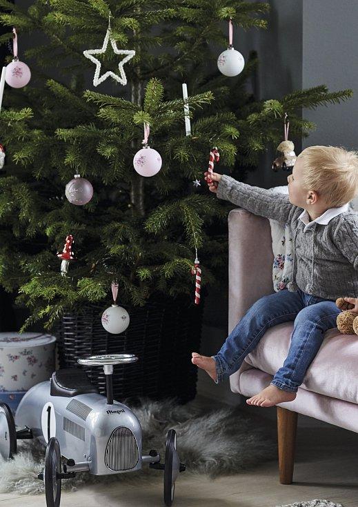 Hitem letošních Vánoc je bílá barva