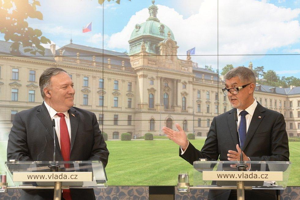 Premiér Andrej Babiš a americký ministr zahraničí Mike Pompeo vystoupili na tiskové konferenci 12. srpna 2020 v Praze .