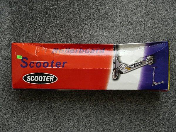 Česká obchodní inspekce (ČOI) zakázala prodej dětské skládací koloběžky snázvem Scooter.