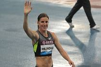 Překážkářka Zuzana Hejnová slaví vítězství na mítinku Diamantové ligy.