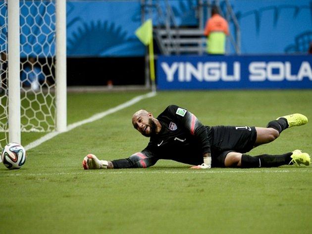 Brankář USA Tim Howard v zápase proti Belgii.