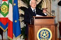 Odstupující italský premiér Mario Monti.